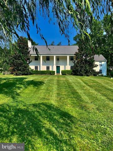 328 Echo Valley Lane, NEWTOWN SQUARE, PA 19073 (#PADE527284) :: John Lesniewski | RE/MAX United Real Estate
