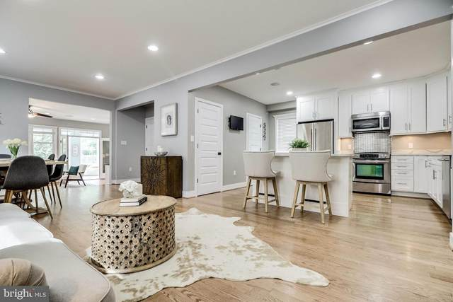 232 N Cleveland Street, ARLINGTON, VA 22201 (#VAAR170510) :: Blackwell Real Estate
