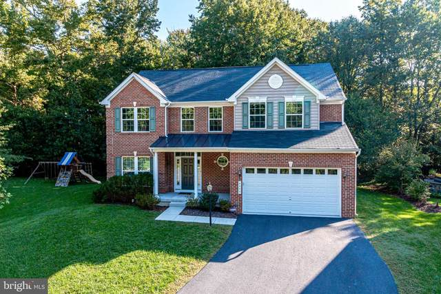 8355 Longfields Lane, ALEXANDRIA, VA 22309 (#VAFX1158980) :: The Riffle Group of Keller Williams Select Realtors