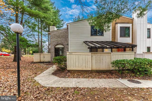 9327 Grazing Terrace, GAITHERSBURG, MD 20886 (#MDMC736150) :: The Sky Group