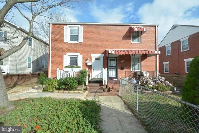 2133 S Pollard Street, ARLINGTON, VA 22204 (#VAAR173204) :: Nesbitt Realty