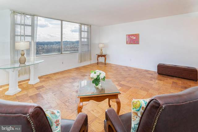 4600 Duke Street #1406, ALEXANDRIA, VA 22304 (#VAAX254874) :: Debbie Dogrul Associates - Long and Foster Real Estate