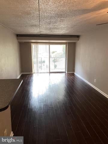 60 S Van Dorn Street #105, ALEXANDRIA, VA 22304 (#VAAX256164) :: The Riffle Group of Keller Williams Select Realtors