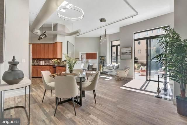 2220 N Fairfax Drive #111, ARLINGTON, VA 22201 (#VAAR177842) :: Debbie Dogrul Associates - Long and Foster Real Estate