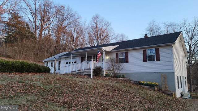 1886 Fulton Road, HEDGESVILLE, WV 25427 (#WVMO118148) :: Realty One Group Performance