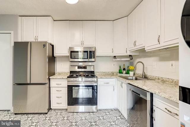 3705 S George Mason Drive 411-S, FALLS CHURCH, VA 22041 (#VAFX1187446) :: Colgan Real Estate
