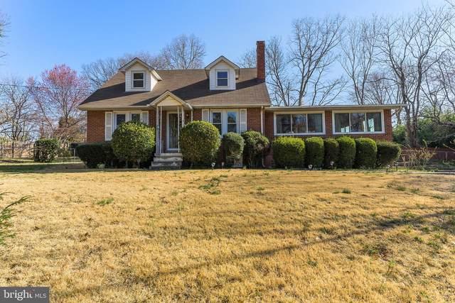 1514 Lakewood Drive, WOODBRIDGE, VA 22192 (#VAPW517652) :: Berkshire Hathaway HomeServices McNelis Group Properties