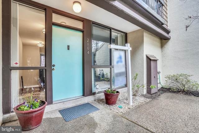 2104 S Quincy Street #1, ARLINGTON, VA 22204 (#VAAR178436) :: Coleman & Associates