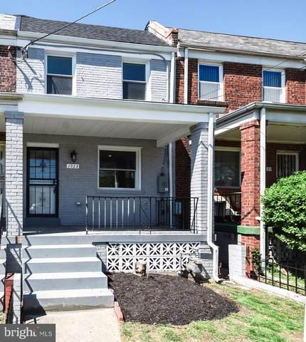 1328 Downing Street NE, WASHINGTON, DC 20018 (#DCDC513464) :: Gail Nyman Group