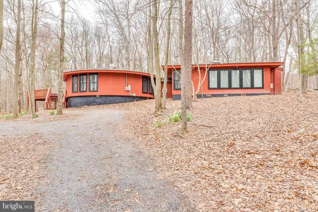 863 The Woods Road, HEDGESVILLE, WV 25427 (#WVBE184654) :: Realty One Group Performance