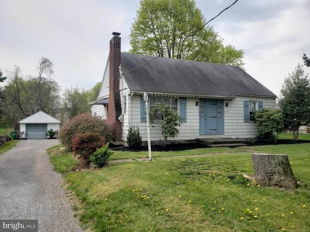 4828 E Trindle Road, MECHANICSBURG, PA 17050 (#PACB133848) :: The Dailey Group