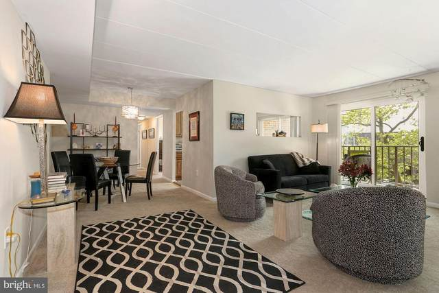 132 Roberts Lane #301, ALEXANDRIA, VA 22314 (#VAAX258440) :: Corner House Realty
