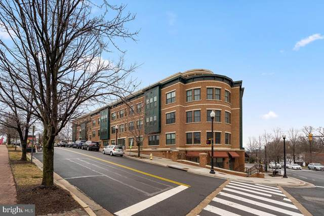 2101 N Monroe Street #412, ARLINGTON, VA 22207 (#VAAR179700) :: The Riffle Group of Keller Williams Select Realtors