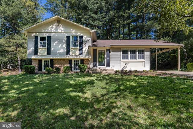 12302 Cedarwood Court, WOODBRIDGE, VA 22192 (#VAPW520994) :: Dart Homes