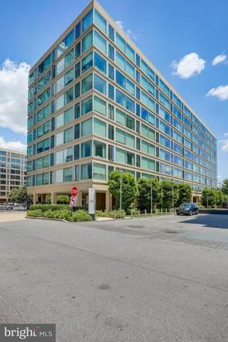 1101 3RD Street SW #111, WASHINGTON, DC 20024 (#DCDC519390) :: SURE Sales Group