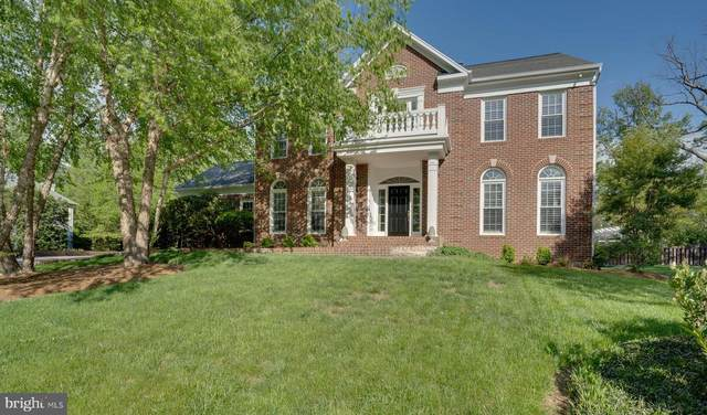 9265 Davis Drive, LORTON, VA 22079 (#VAFX1197630) :: Crews Real Estate