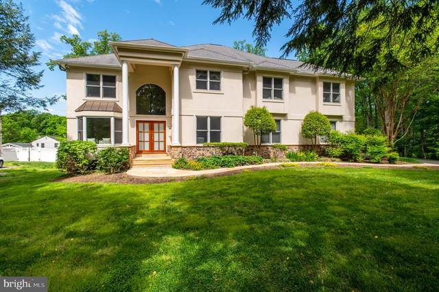 11568 Westhill Drive, NORTH BETHESDA, MD 20852 (#MDMC756388) :: The Mike Coleman Team