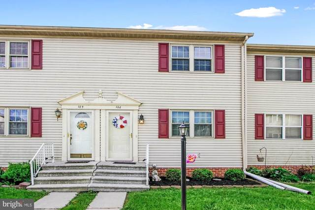 166 Center Street, HANOVER, PA 17331 (#PAYK157696) :: The Joy Daniels Real Estate Group