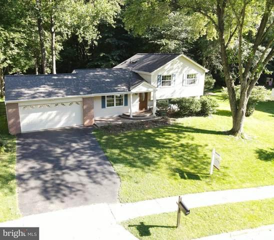 5919 Vernons Oak Court, BURKE, VA 22015 (#VAFX1207108) :: Debbie Dogrul Associates - Long and Foster Real Estate