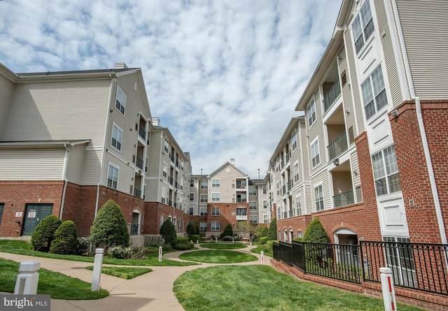 4850 Eisenhower Avenue #219, ALEXANDRIA, VA 22304 (#VAAX261072) :: AJ Team Realty