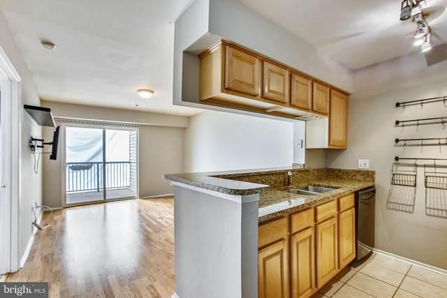 3307 Wyndham Circle #1164, ALEXANDRIA, VA 22302 (#VAAX261142) :: Corner House Realty