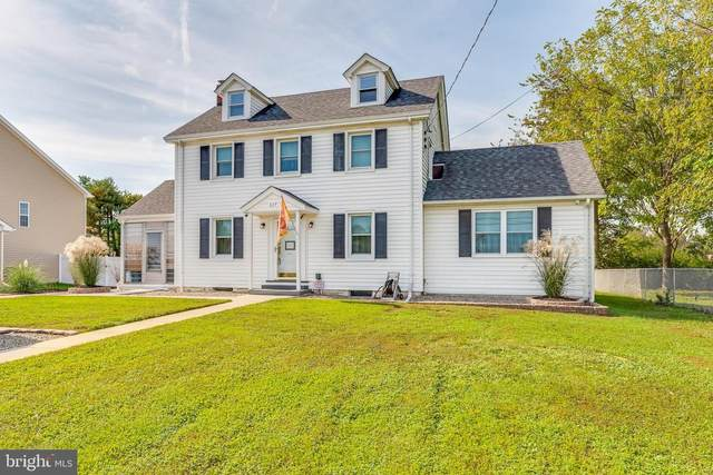 617 Jefferson Avenue, CHARLES TOWN, WV 25414 (#WVJF2000033) :: Murray & Co. Real Estate