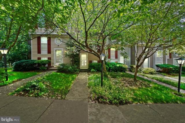 1596 Woodcrest Drive, RESTON, VA 20194 (#VAFX2001616) :: Jacobs & Co. Real Estate