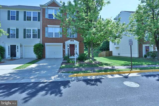 8039 Horseshoe Cottage Circle, LORTON, VA 22079 (#VAFX2002542) :: The Yellow Door Team