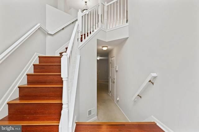 4164 Zinnia Lane, FAIRFAX, VA 22030 (#VAFX2006714) :: Sunrise Home Sales Team of Mackintosh Inc Realtors