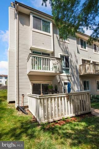 12835 Cara Drive, WOODBRIDGE, VA 22192 (#VAPW2002838) :: Corner House Realty