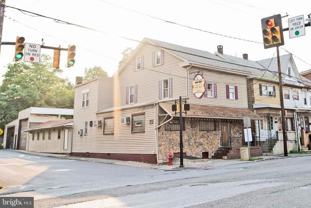 128 Center Street, TAMAQUA, PA 18252 (#PASK2000444) :: The Heather Neidlinger Team With Berkshire Hathaway HomeServices Homesale Realty
