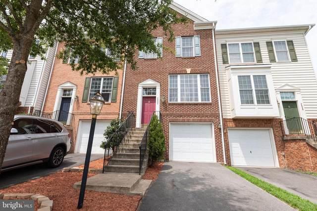 2532 Oak Tree Lane, WOODBRIDGE, VA 22191 (#VAPW2003664) :: Debbie Dogrul Associates - Long and Foster Real Estate