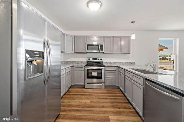 1215 Grazier Street, MARTINSBURG, WV 25404 (#WVBE2001304) :: CENTURY 21 Core Partners