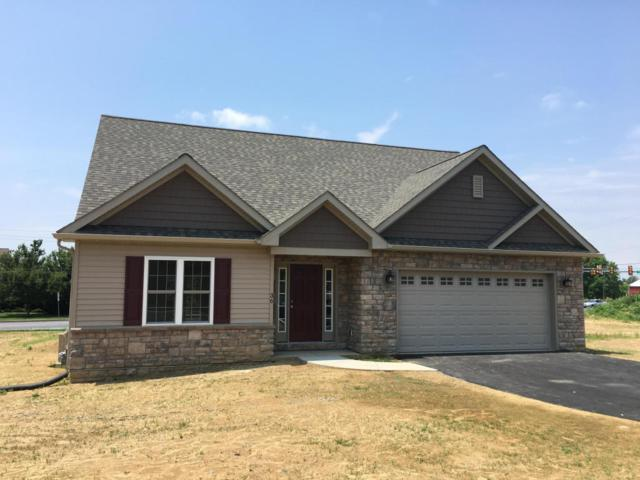 243 Pilgrim Drive #245, LANCASTER, PA 17603 (#1001490158) :: The Heather Neidlinger Team With Berkshire Hathaway HomeServices Homesale Realty