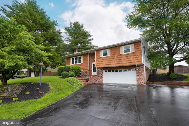 19 Knollwood Drive, AKRON, PA 17501 (#PALA123836) :: The Joy Daniels Real Estate Group