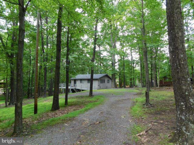 900 The Woods Road, HEDGESVILLE, WV 25427 (#WVBE168560) :: The Maryland Group of Long & Foster Real Estate