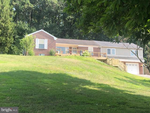 4064 Wilshire Drive, YORK, PA 17402 (#PAYK120296) :: The Joy Daniels Real Estate Group