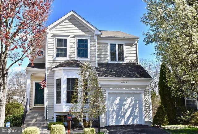 6849 Hollow Glen Court, GAINESVILLE, VA 20155 (#VAPW491198) :: Jacobs & Co. Real Estate