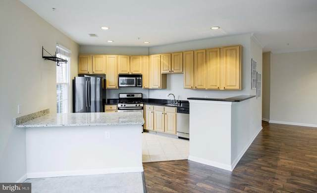 2301 25TH Street S 4-107, ARLINGTON, VA 22206 (#VAAR178438) :: Gail Nyman Group