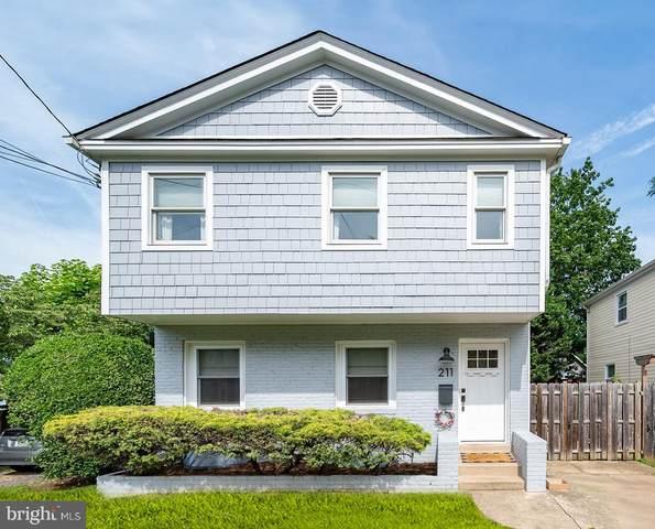 211 S Fillmore Street, ARLINGTON, VA 22204 (#VAAR2000316) :: Debbie Dogrul Associates - Long and Foster Real Estate