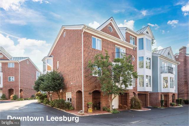 107 Chesterfield Place SW, LEESBURG, VA 20175 (#VALO2008936) :: The Putnam Group