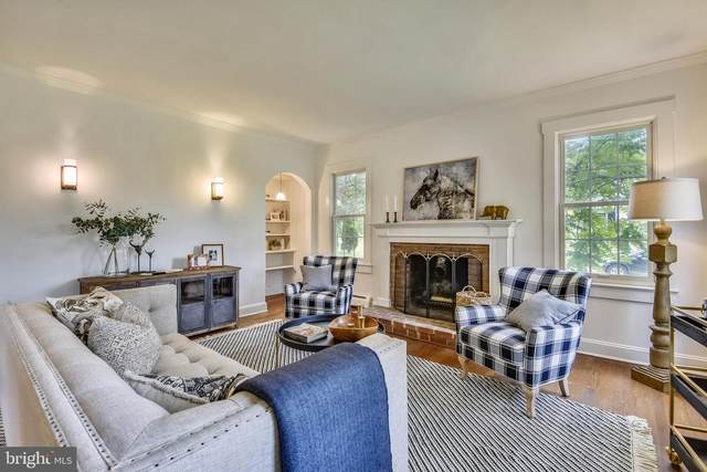 951 Locust Street, HERNDON, VA 20170 (#VAFX1145060) :: Debbie Dogrul Associates - Long and Foster Real Estate
