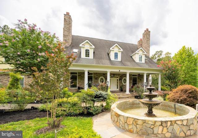 10121 Hampton Road, FAIRFAX STATION, VA 22039 (#VAFX1150252) :: Debbie Dogrul Associates - Long and Foster Real Estate