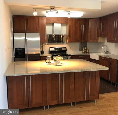 1300 Army Navy Drive #907, ARLINGTON, VA 22202 (#VAAR164240) :: Jennifer Mack Properties