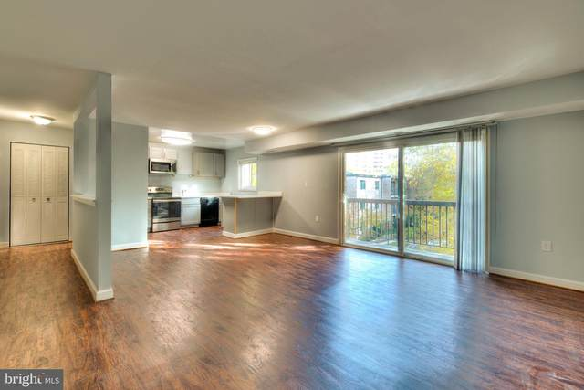 3300 S 28TH Street #403, ALEXANDRIA, VA 22302 (#VAAX249980) :: The MD Home Team