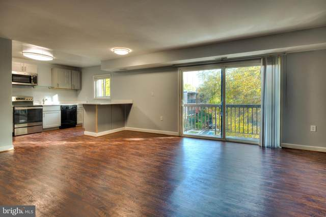 3300 S 28TH Street #403, ALEXANDRIA, VA 22302 (#VAAX249980) :: Jacobs & Co. Real Estate