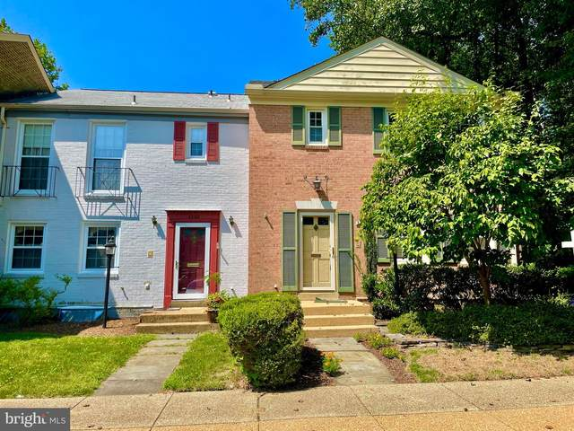 3200 Cambridge Court, FAIRFAX, VA 22030 (#VAFC121674) :: Dart Homes