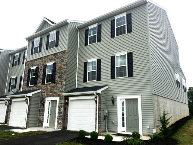 8 Holstein Drive #4, HANOVER, PA 17331 (#1000140048) :: The Joy Daniels Real Estate Group