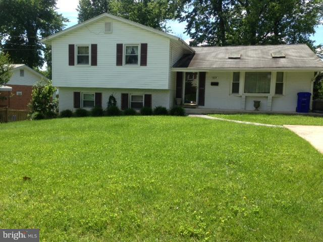 11714 Tifton Drive, POTOMAC, MD 20854 (#1000052937) :: The Withrow Group at Long & Foster