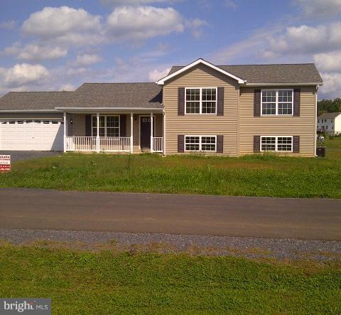 75 Spyglass Drive, MARTINSBURG, WV 25403 (#1000088961) :: Colgan Real Estate